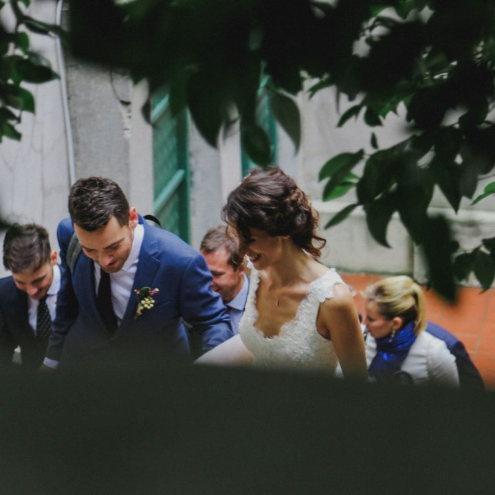 http://cemalcanates.com/2018/01/18/st-antuan-kilisesinde-istanbul-bir-nikah-gunu/